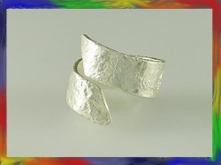 Silver reticulated wrap around ring